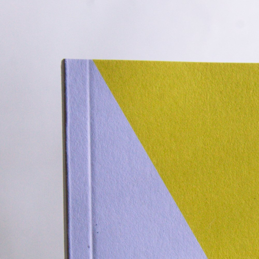 Dettaglio carta riciclata quaderno A5 - Kono Books